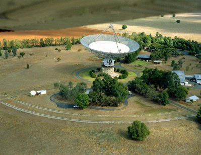 An aerial photograph of the Parkes Radio Telescope site